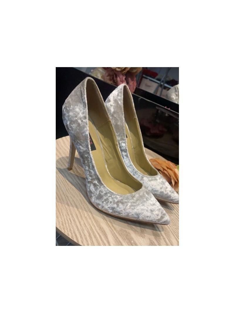 Accueil Chaussures femme escarpins talons hauts nude velours destockage taille 41 -- HouseOfPeople.fr
