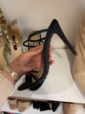 Accueil Chaussures sandales femme talon haut noir à lanières mules -- HouseOfPeople.fr