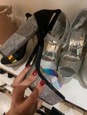 Chaussures pour femme talon haut carré avec strass noir et argent destockage en 39/40