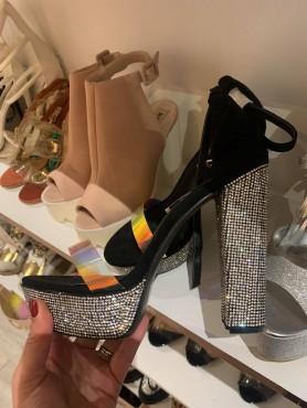 Chaussures pour femme talon...