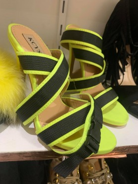 copy of Chaussures femme talon haut neon jaune et noir destockage taille 36